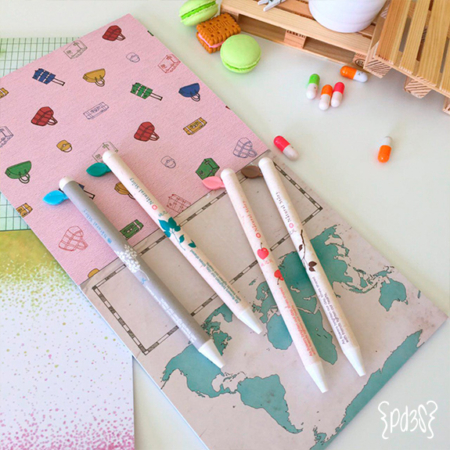 Par-de-3-studio-bolígrafo-hojita