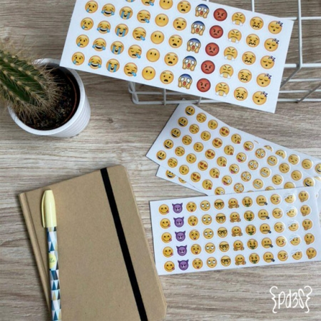 Par de 3 Studio Shop stickers emoticonos